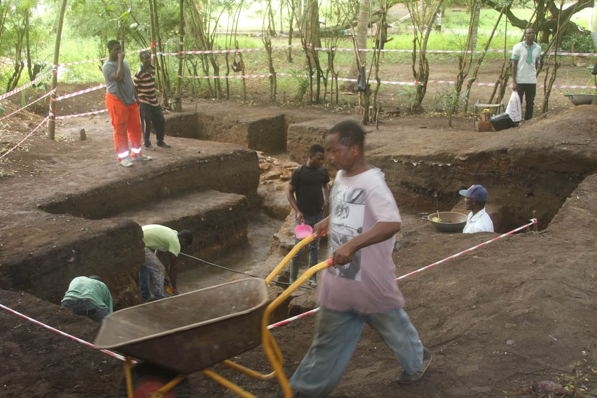 Archaeology Team Cgristainsborg Castle Ghana