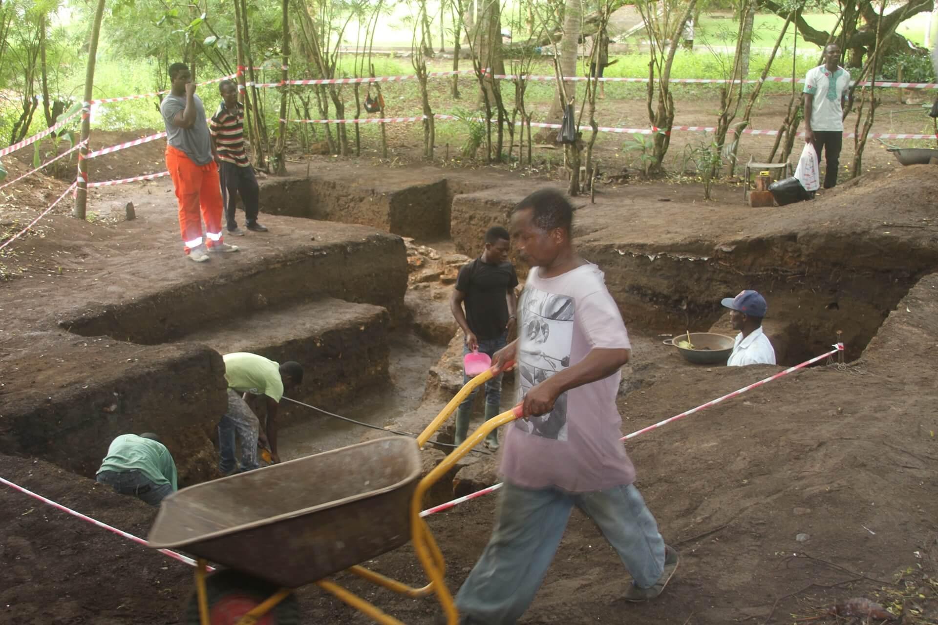 Archaeology Team Cgristainsborg Castle Ghana